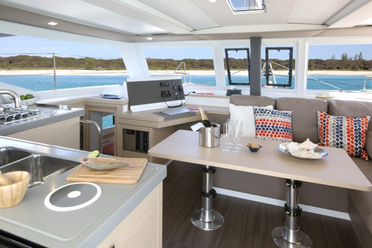 Fountaine Pajot Lucia 40 Endless Summer 3