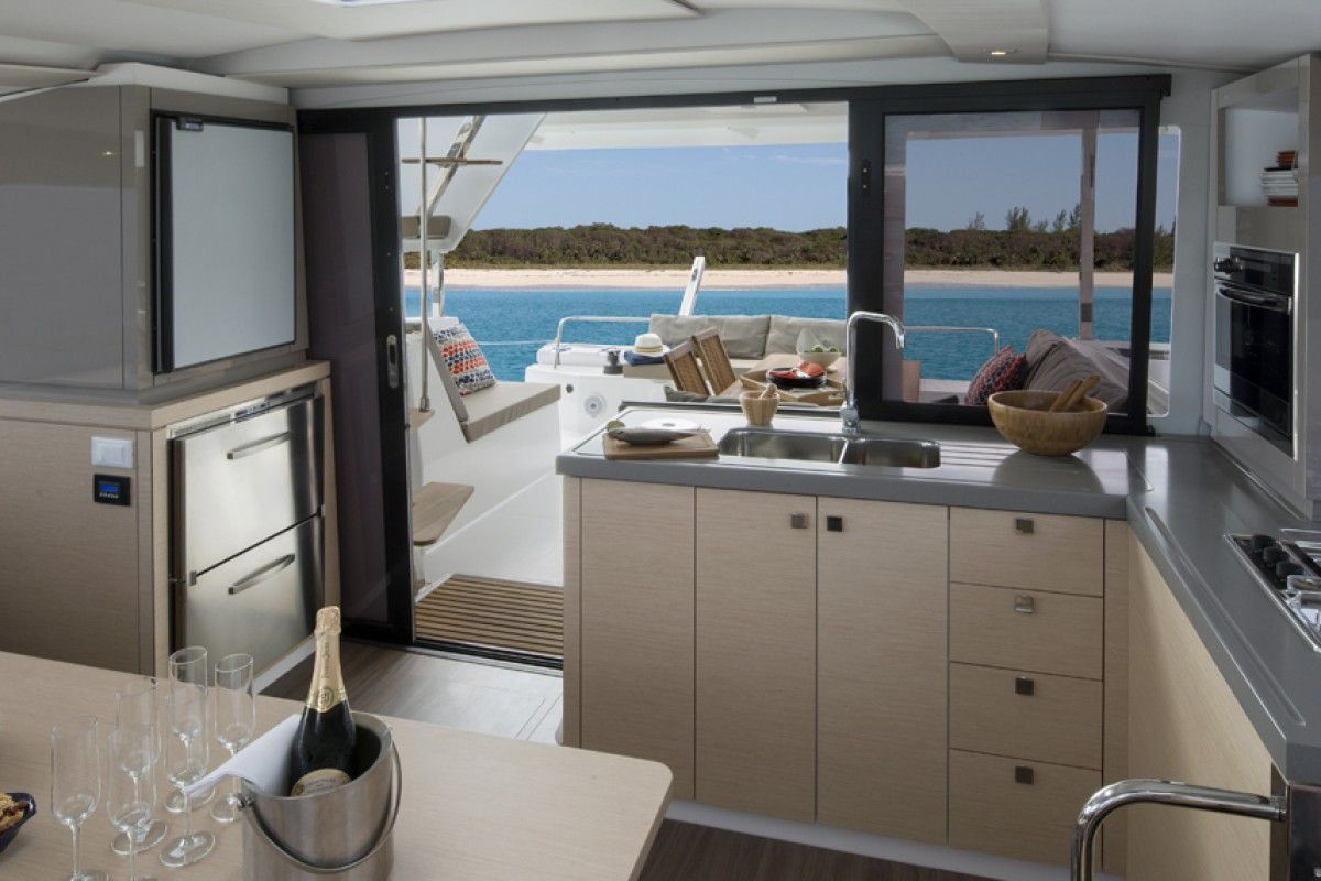 Fountaine Pajot Lucia 40 Endless Summer 9