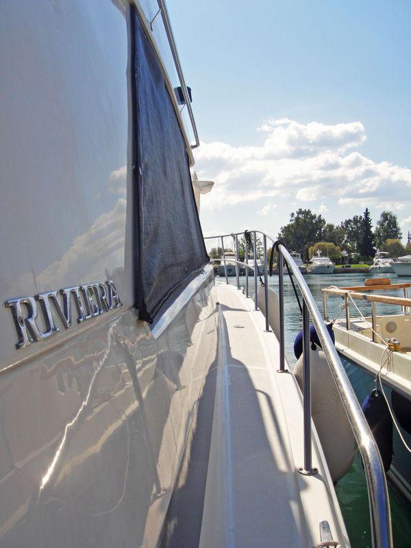Riviera  FLYBRIDGE MARINA 2
