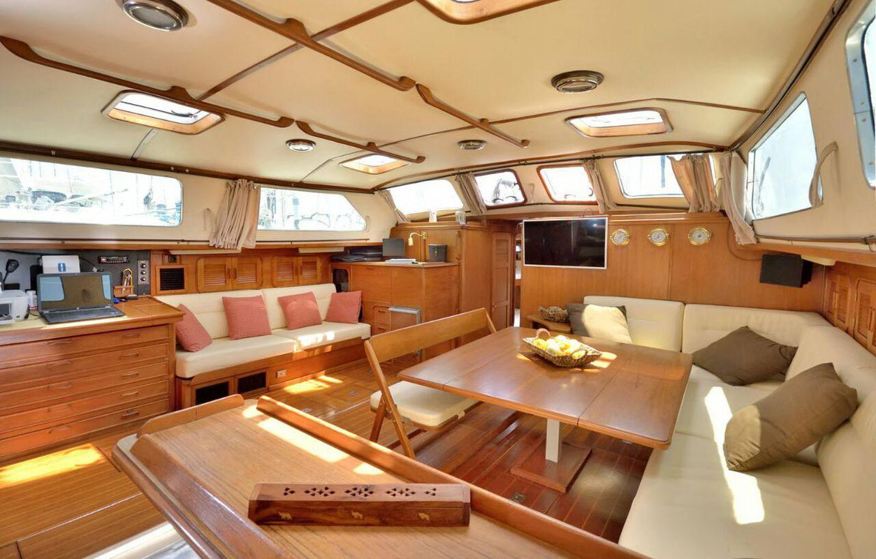 Irwin Yachts USA Ketch 3