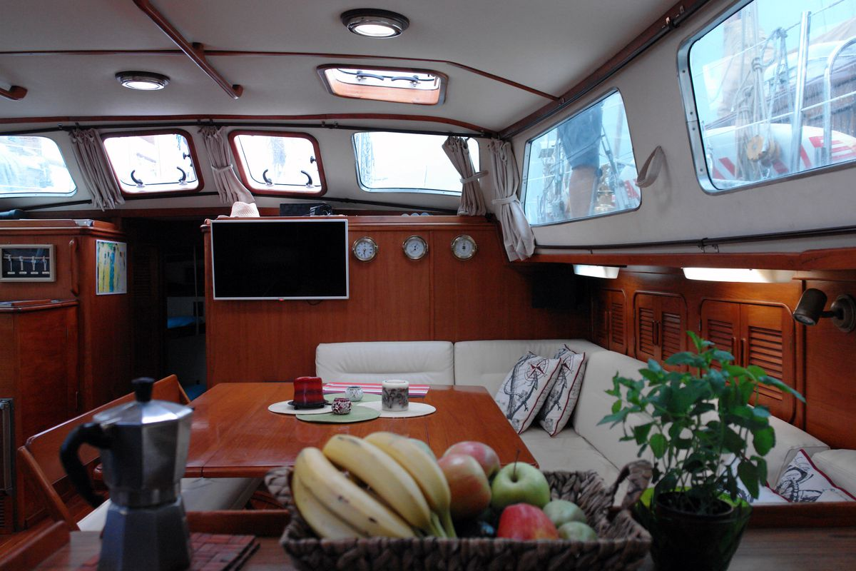 Irwin Yachts USA Ketch 22