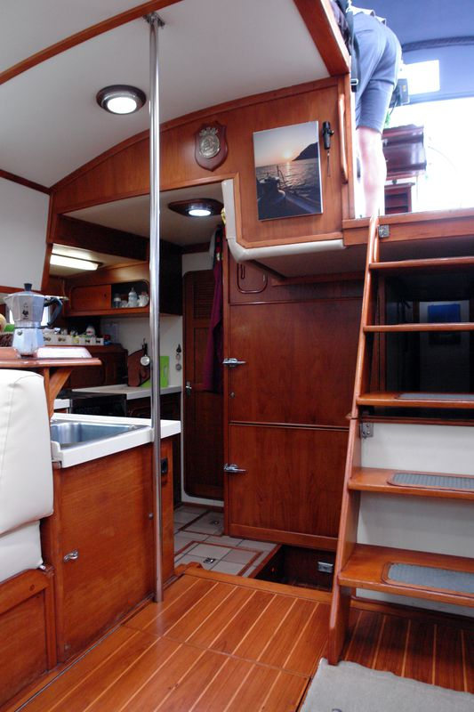 Irwin Yachts USA Ketch 28