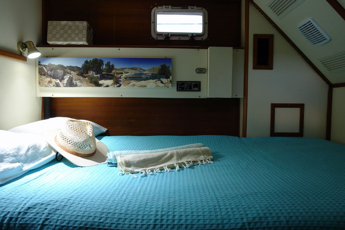 Irwin Yachts USA Ketch 29