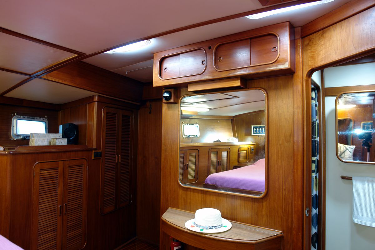 Irwin Yachts USA Ketch 30