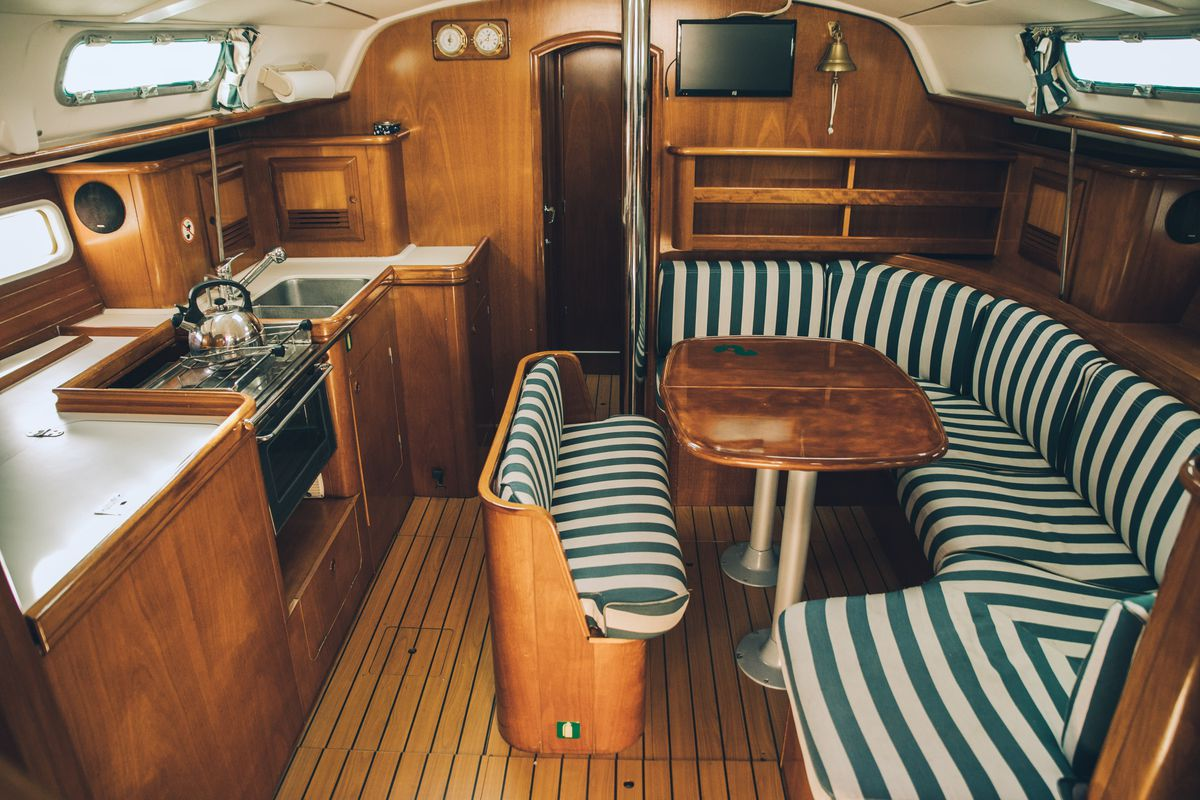 Beneteau oceanis clipper 411 8