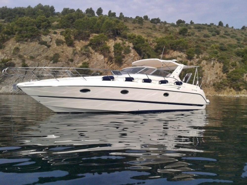 Cranchi-Italie smeraldo Santorini Yacht Cruises  4