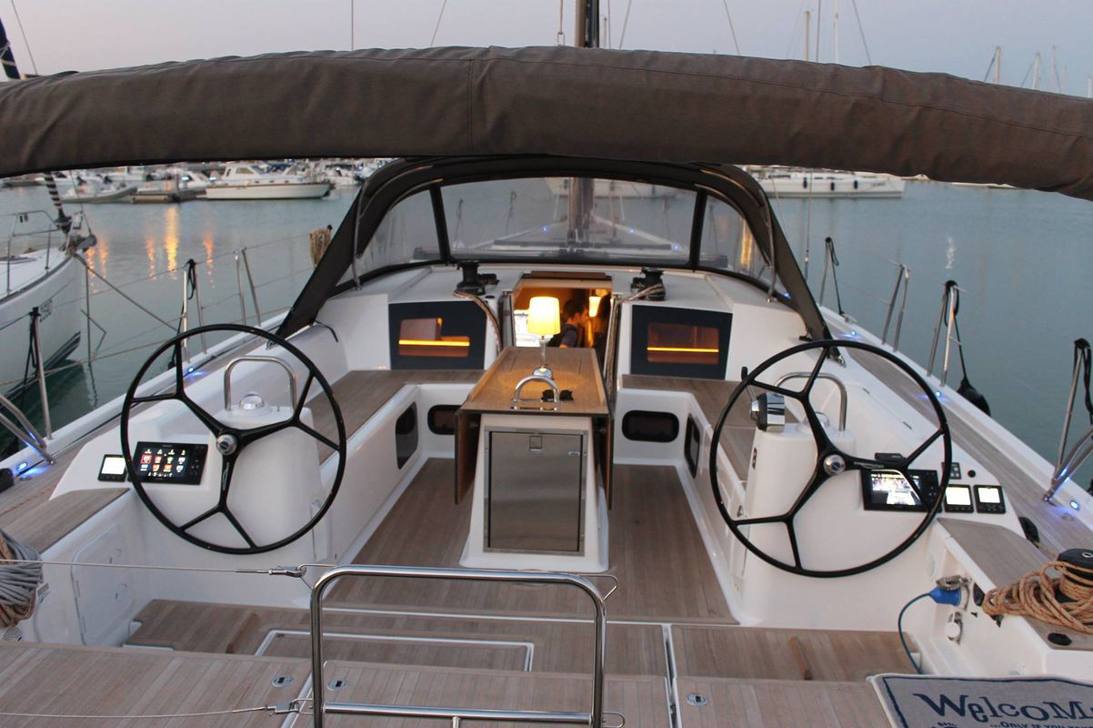 Dufour Yachts 56 Exclusive INVICTUS 5