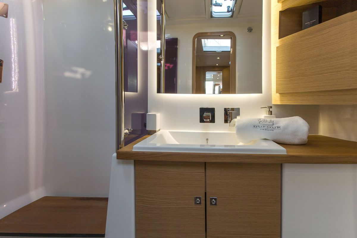 Dufour Yachts 56 Exclusive INVICTUS 25