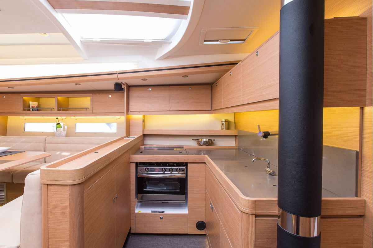 Dufour Yachts 56 Exclusive INVICTUS 28