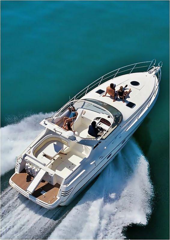Cranchi-Italie smeraldo Santorini Yacht Cruises  1
