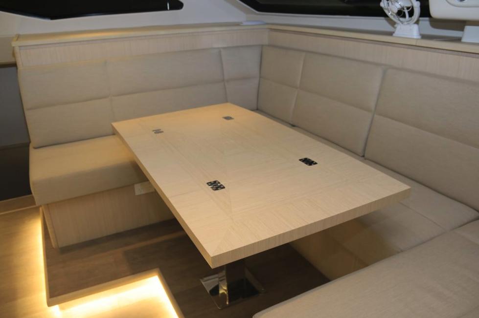 Seawind  1600 Performance Cruiser 15
