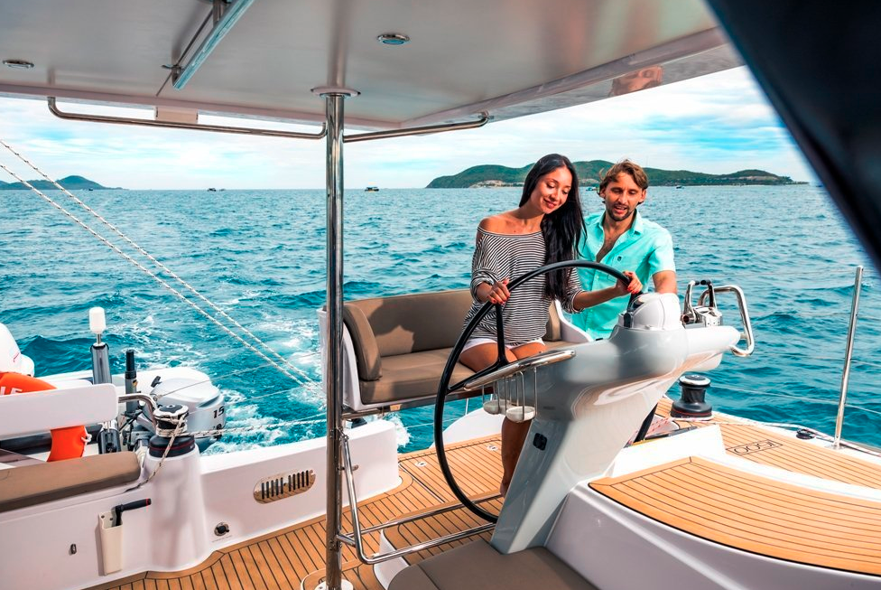 Seawind  1600 Performance Cruiser 6