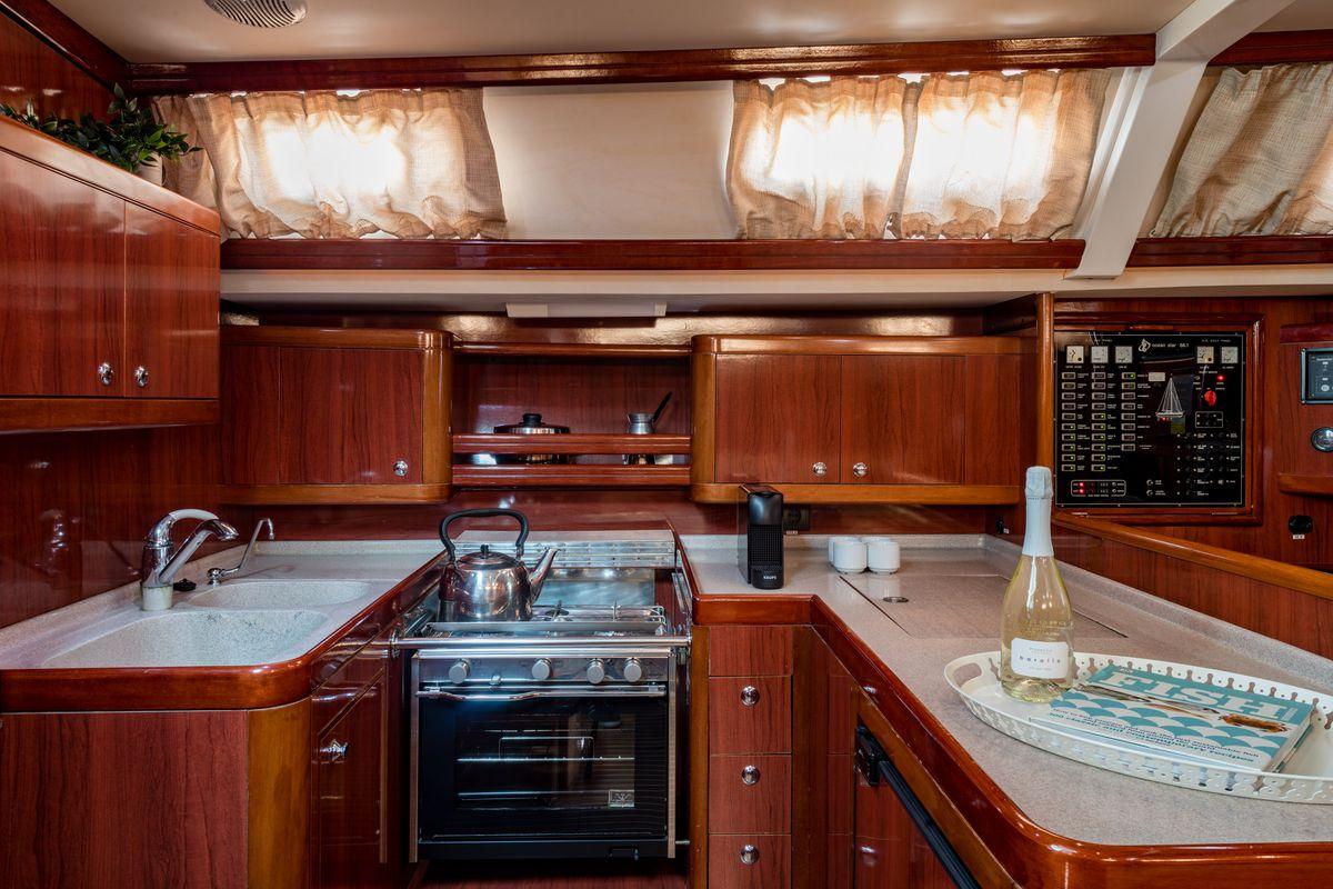 Ocean Yachts Ocean Star 56.1 28