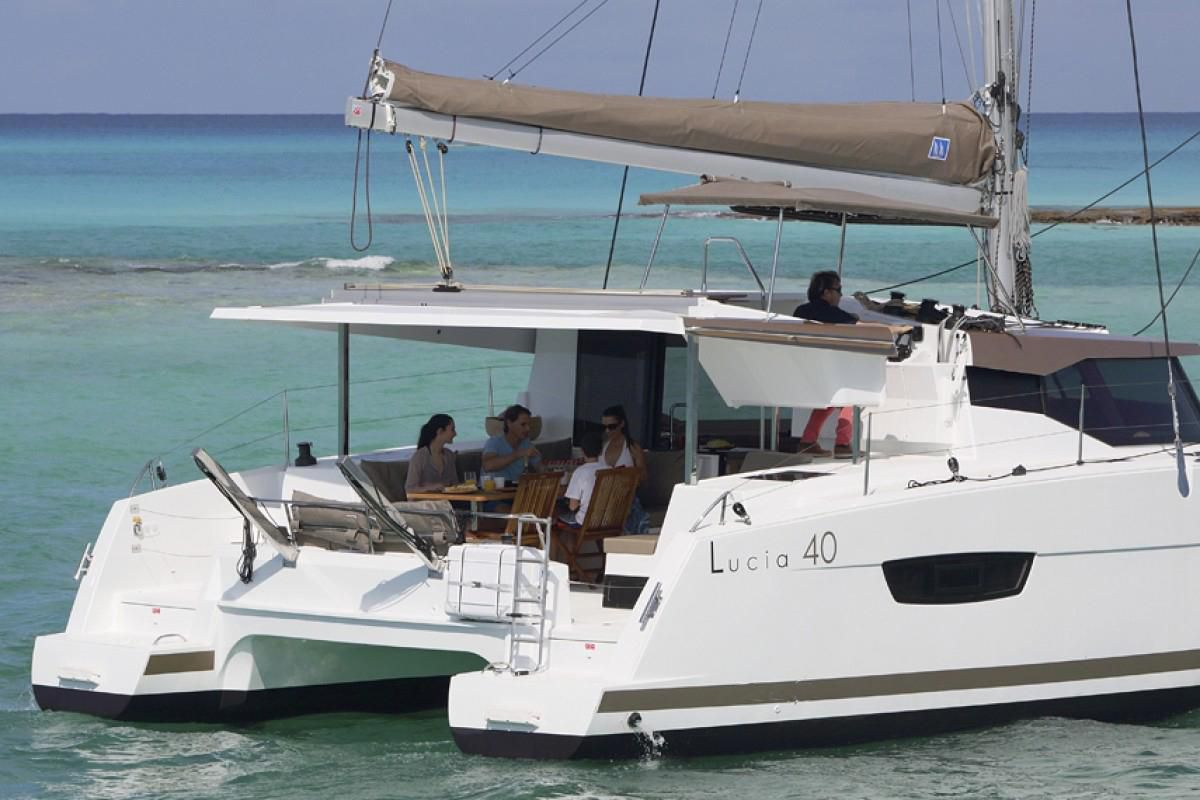 Fountaine Pajot Lucia 40 Endless Summer 12